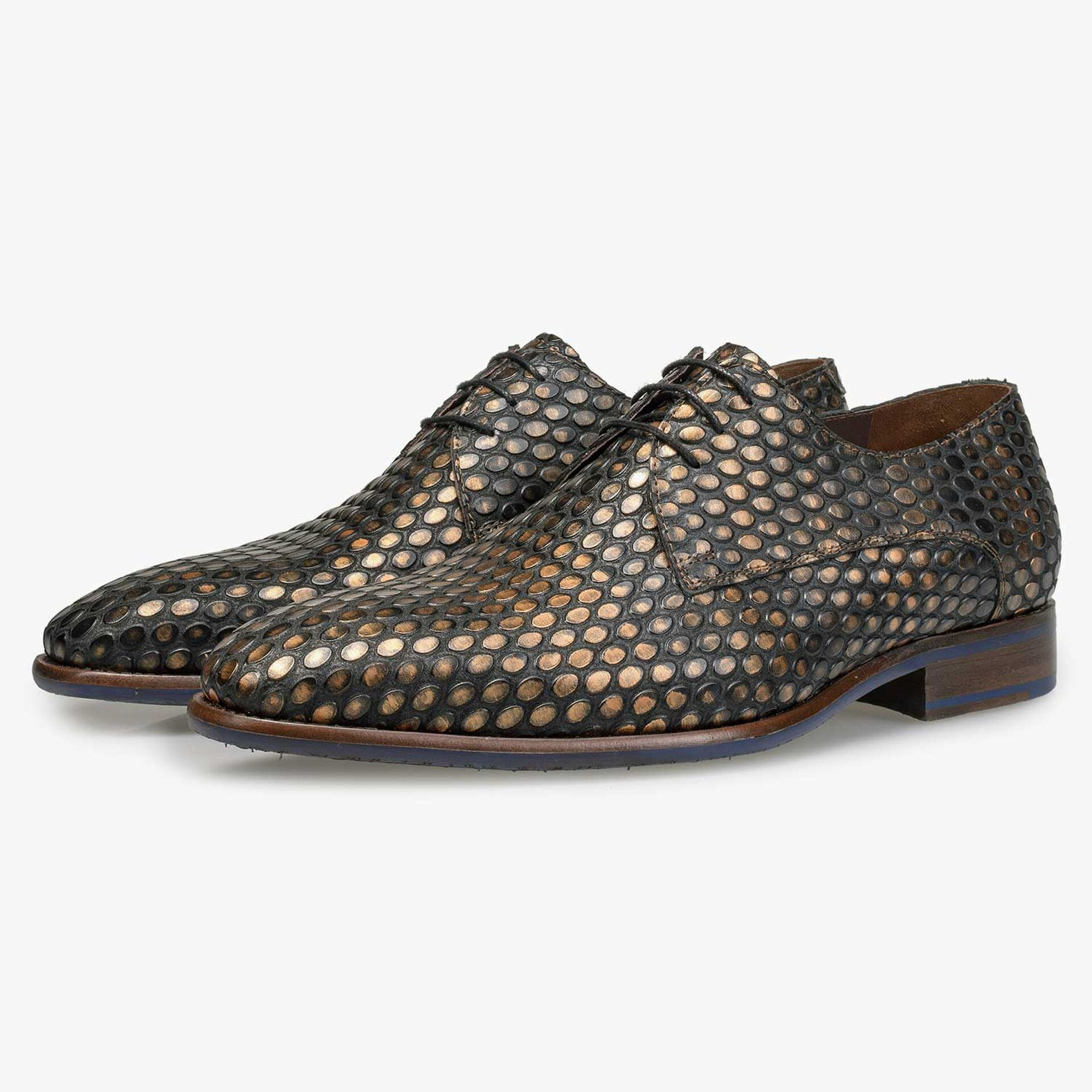 Bronze-coloured calf's leather lace shoe with structural print