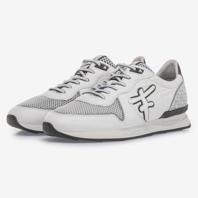 Witte suède sneaker