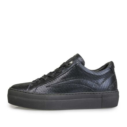 Leather sneaker with a black cup sole