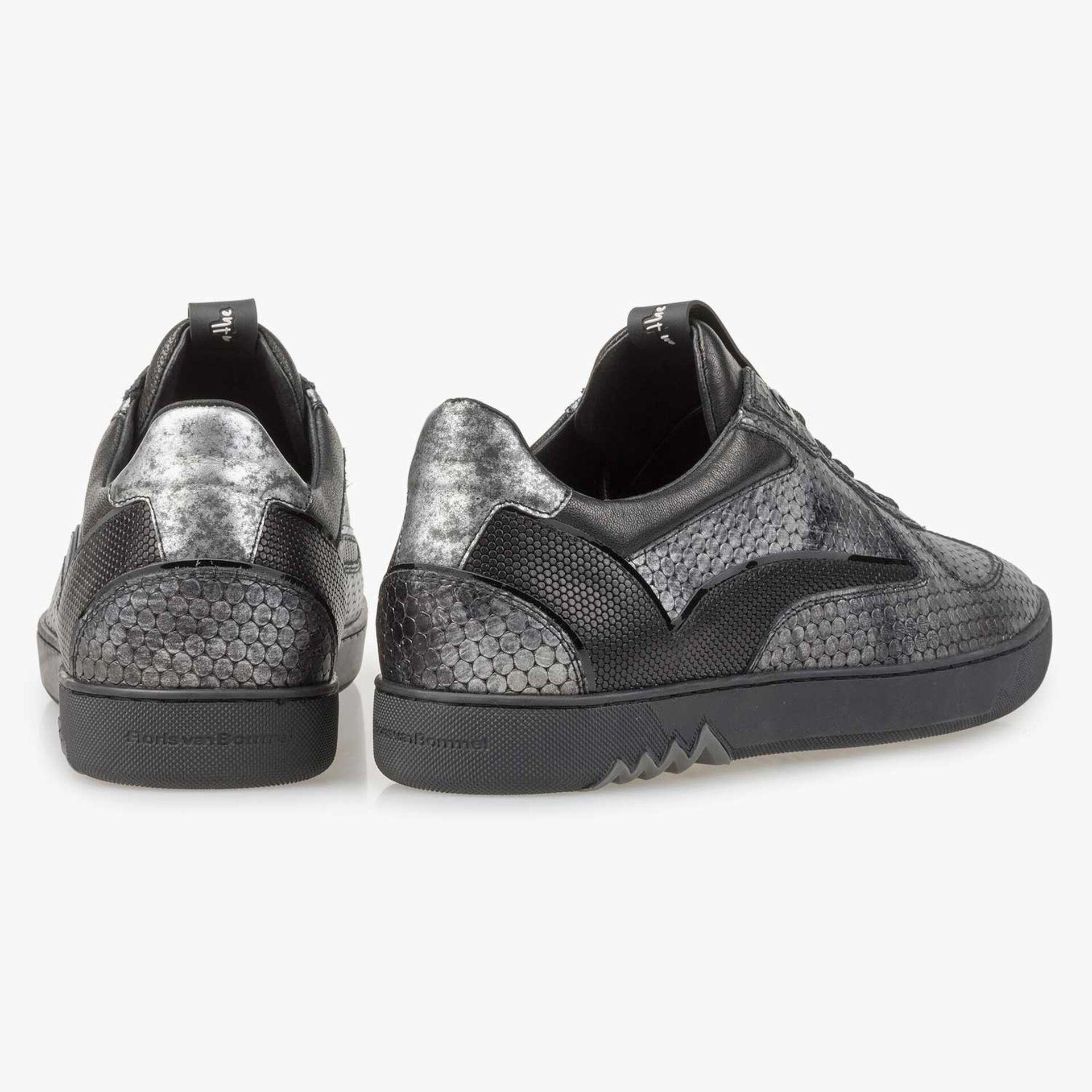 Grijze leren sneaker met metallic print