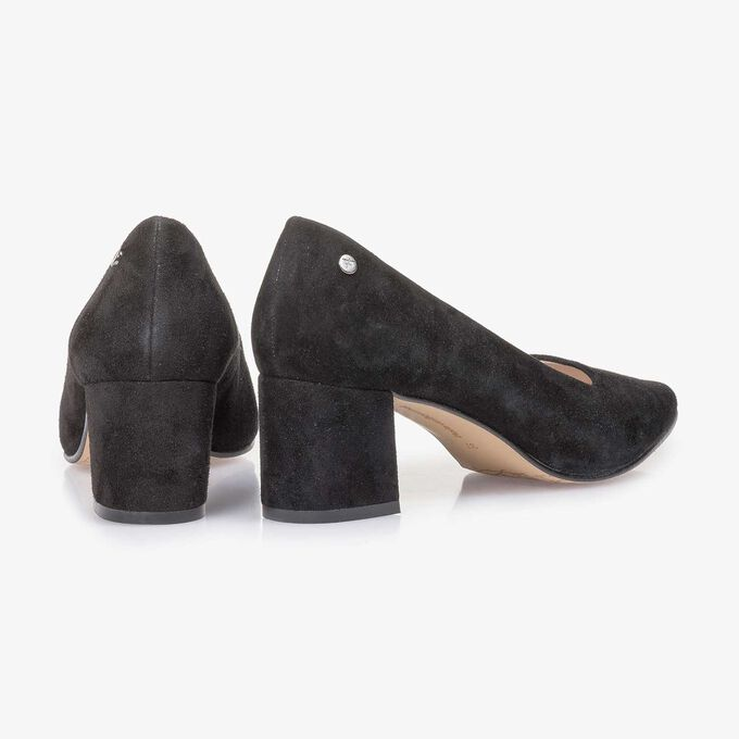 Black suede leather pumps