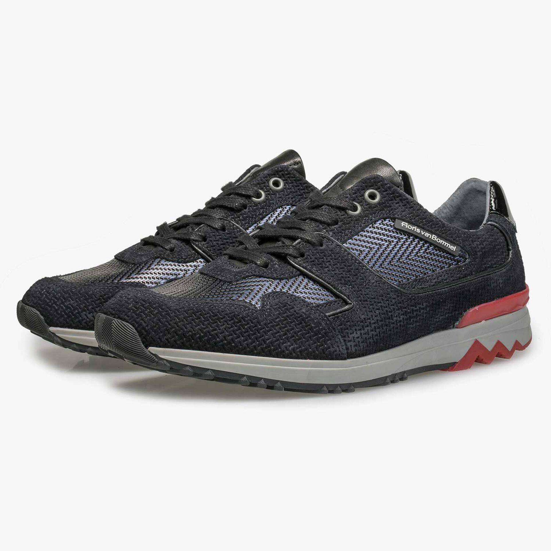 Dark blue sneaker with metallic print