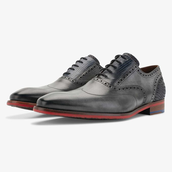 Grey calf's leather lace shoe