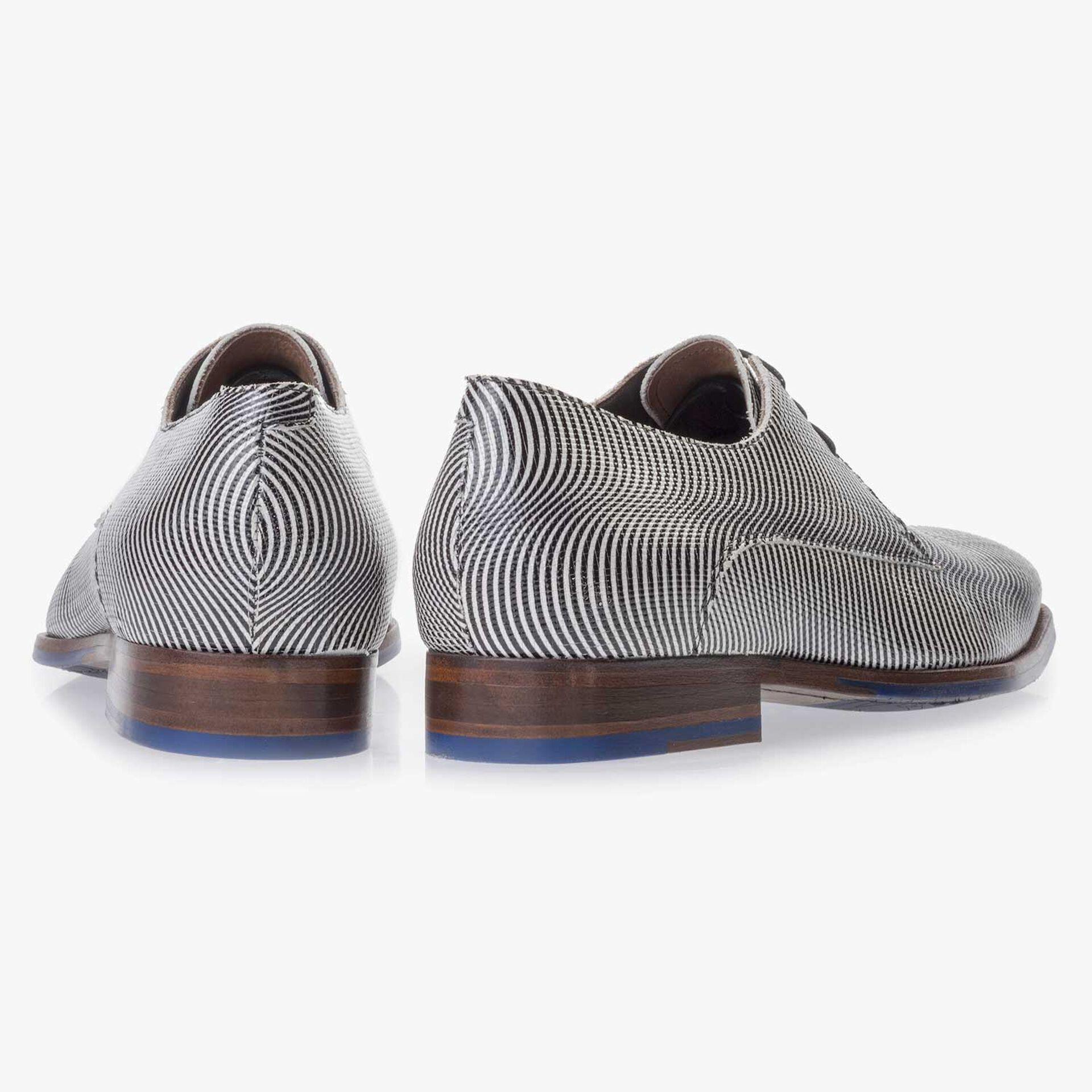 Black/White, patent leather lace shoe