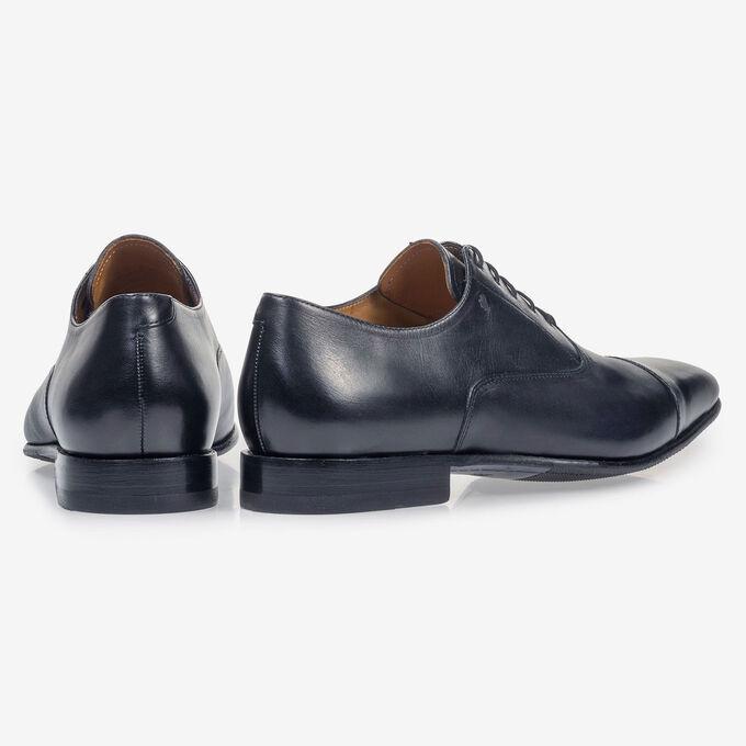 Dark blue calf leather lace shoe