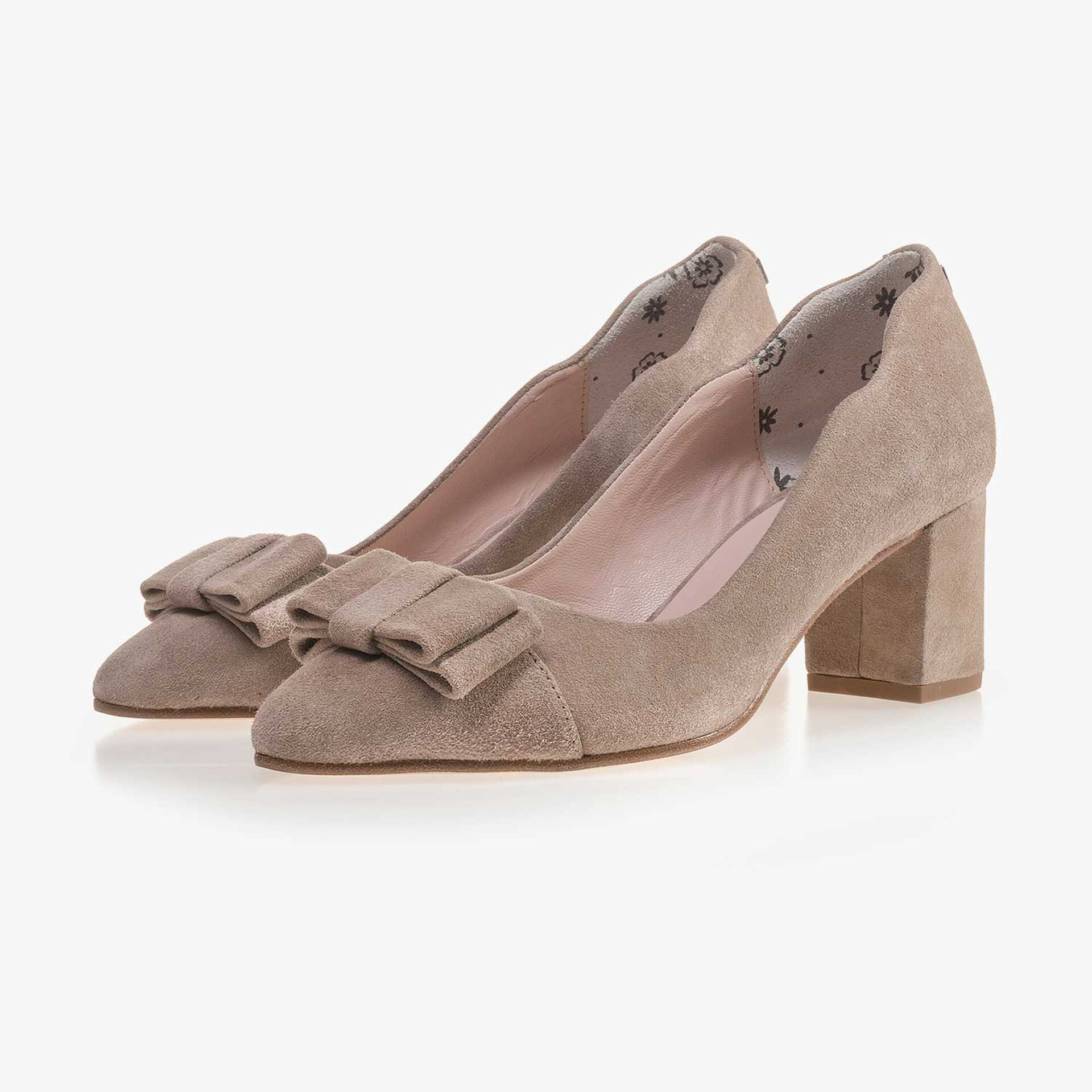 Taupe-coloured calf's suede leather bow pumps