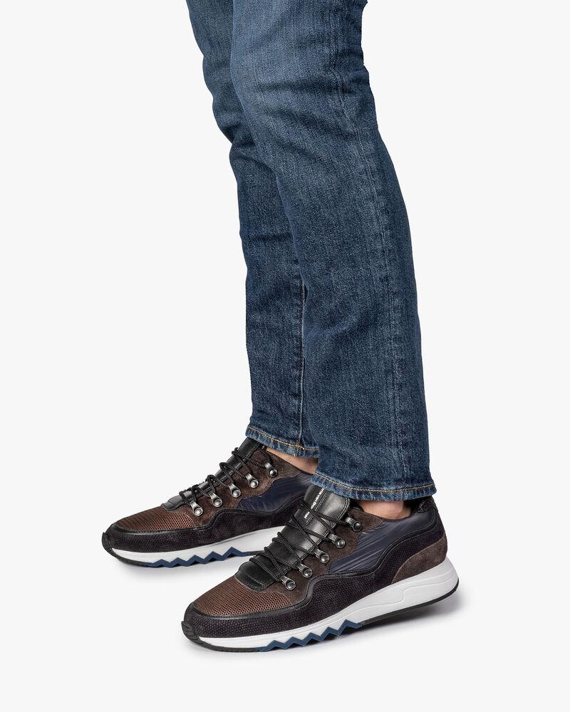 Sneaker dark brown suede leather