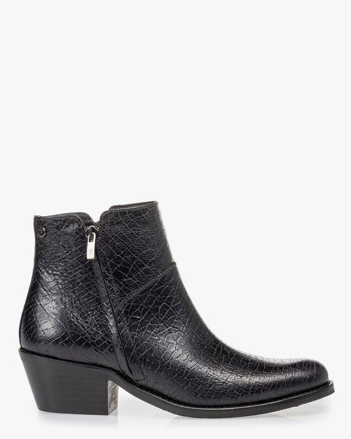 Ankle boot craquelé leather black