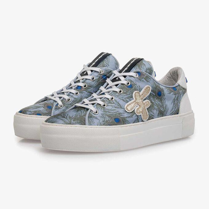 Lichtblauwe suède sneaker met textiel