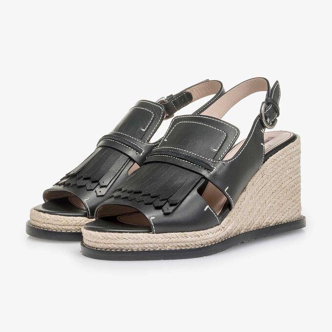 Zwarte sandaal met espadrille sleehak
