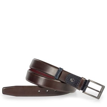 Leather belt with burgundy lining