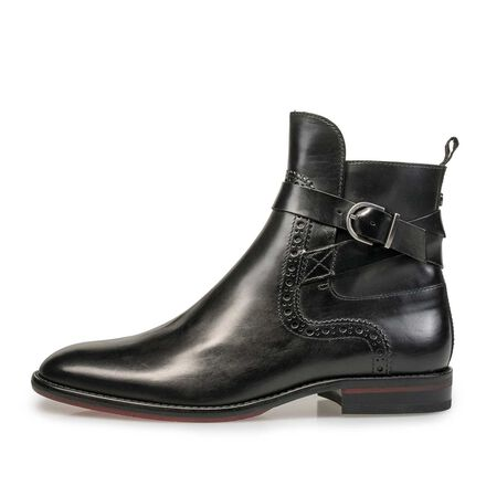 Leather Chelsea boot with buckle