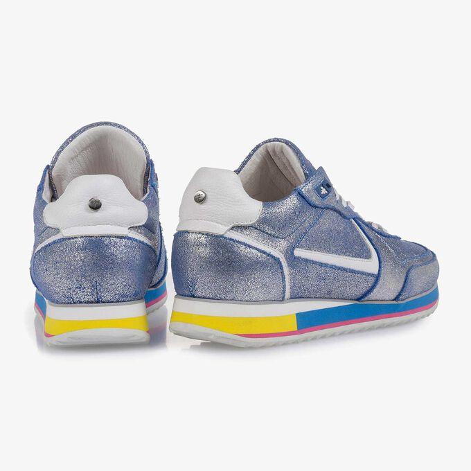 Zilveren metallic leren sneaker met blauw changeant effect