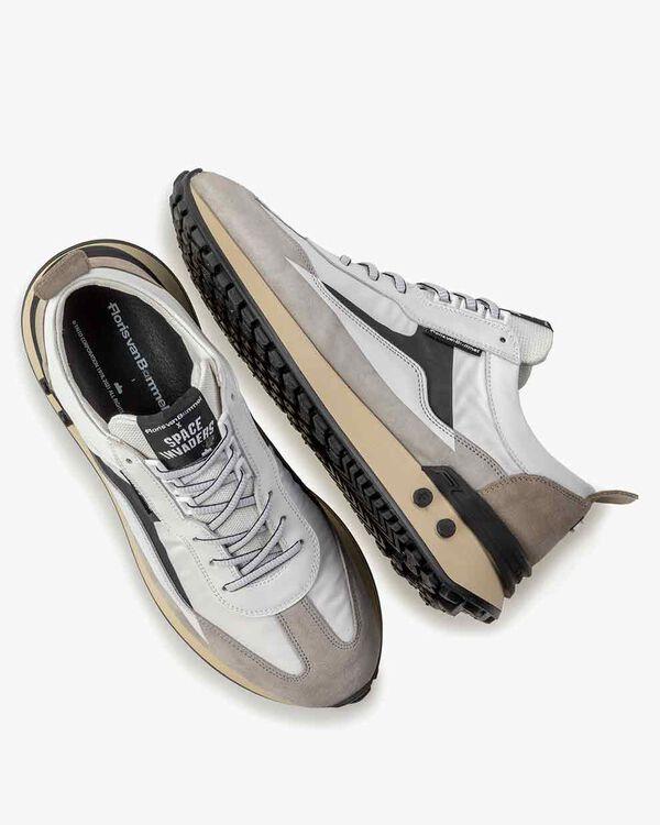 Sneaker Space Invaders wit