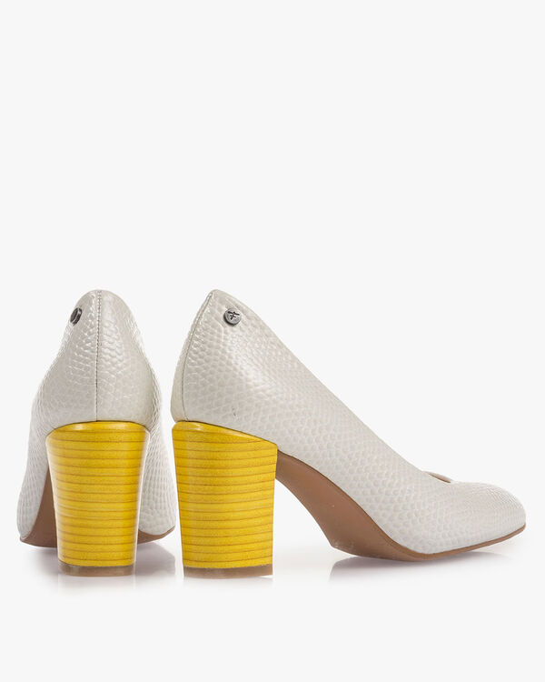 Off-white leather pumps with print