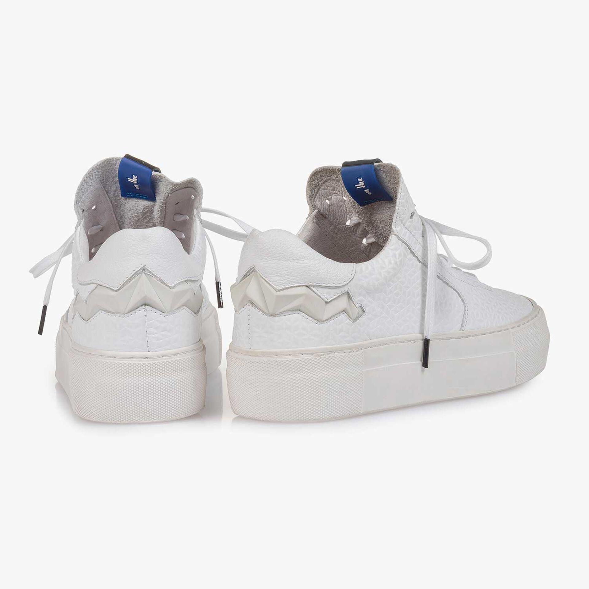 Witte leren sneaker met structuur
