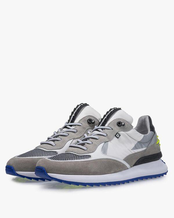 Sneaker textile white