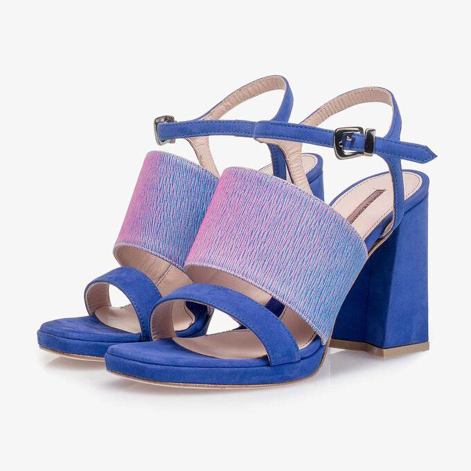 Blauwe suede sandaal met hak met lila print