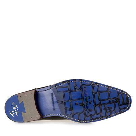Lace shoe with laser-cut print