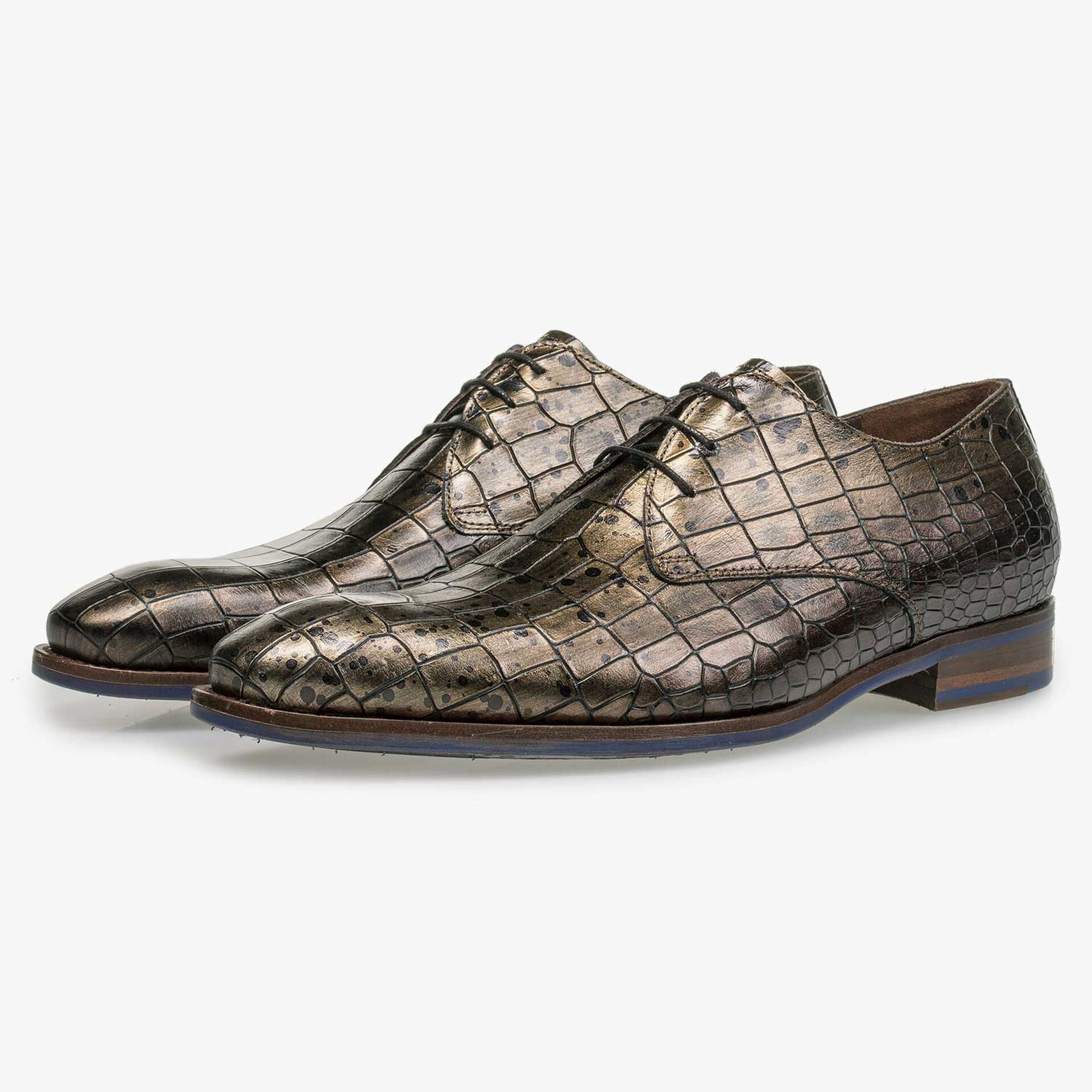 Calf's leather lace shoe with croco print