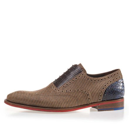 Suede leather lace shoe with pattern