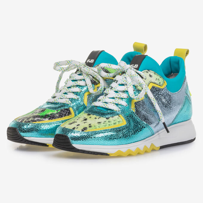 Sneaker with light blue metallic print