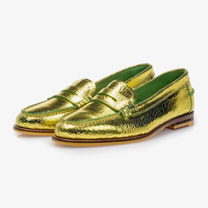 Gele metallic leren loafer met craquelé effect