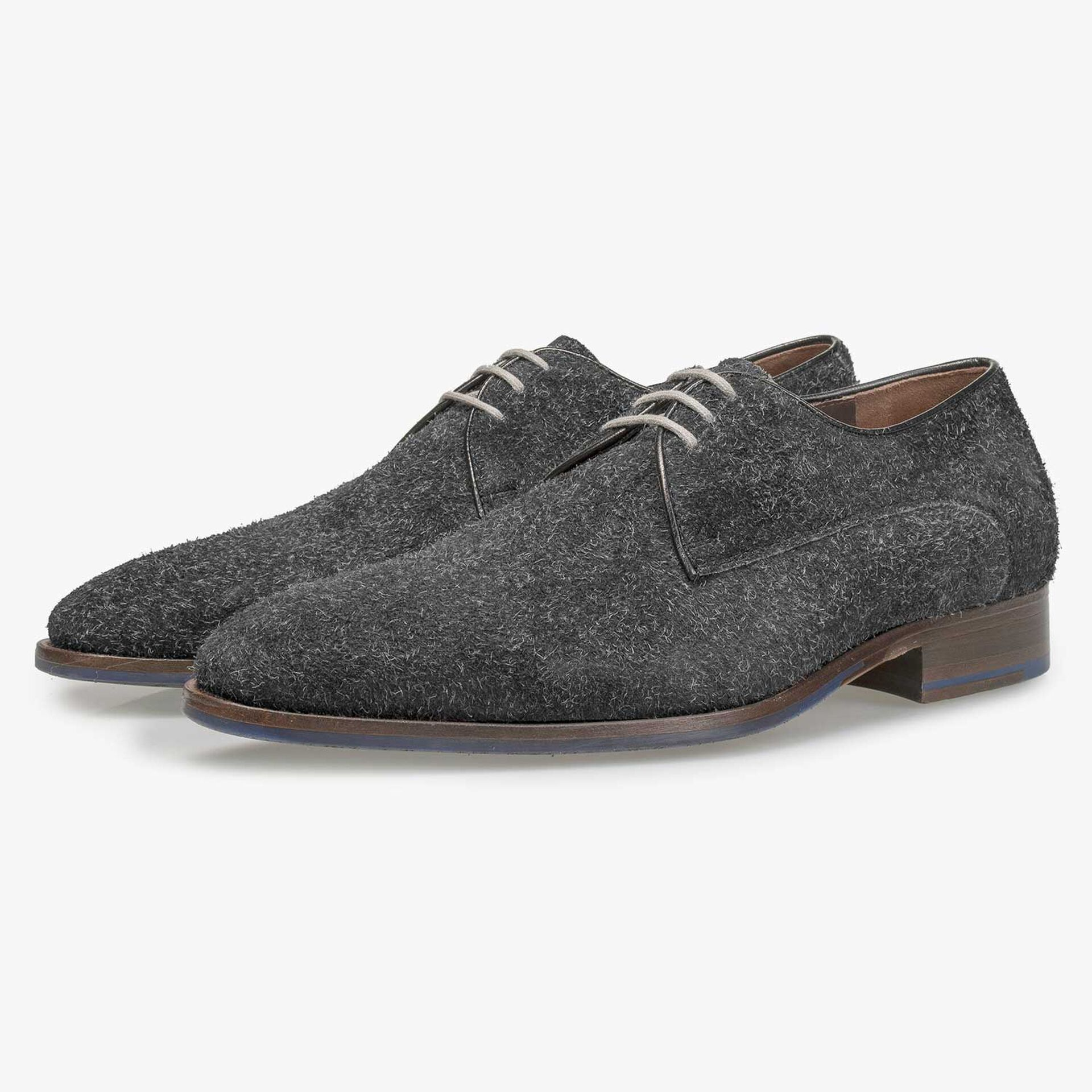 Grey lace shoe made of buffed leather