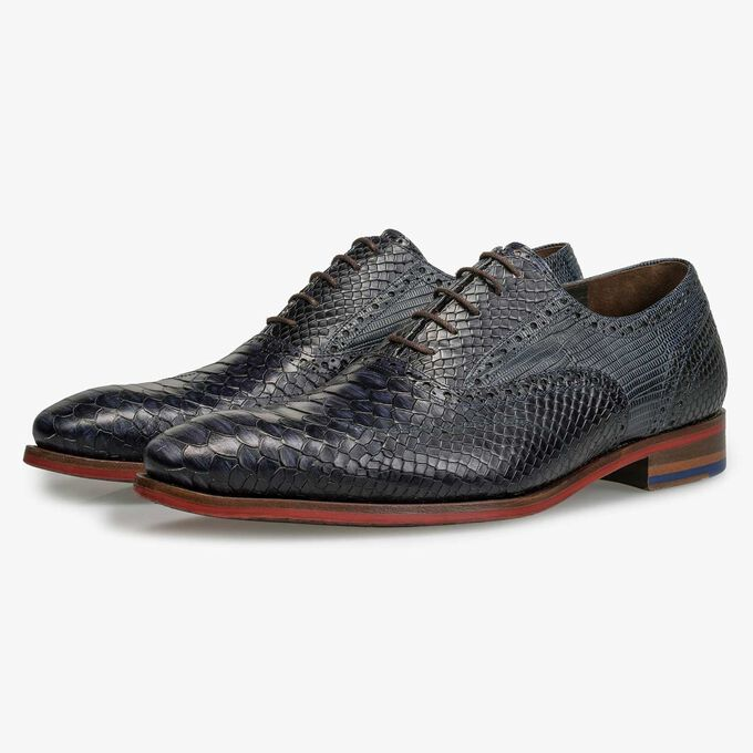 Dark blue lace shoe
