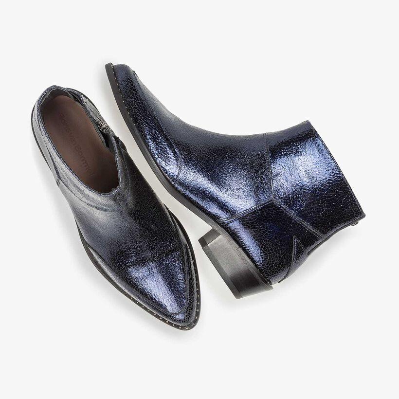 Donkerblauwe leren enkellaars met metallicprint