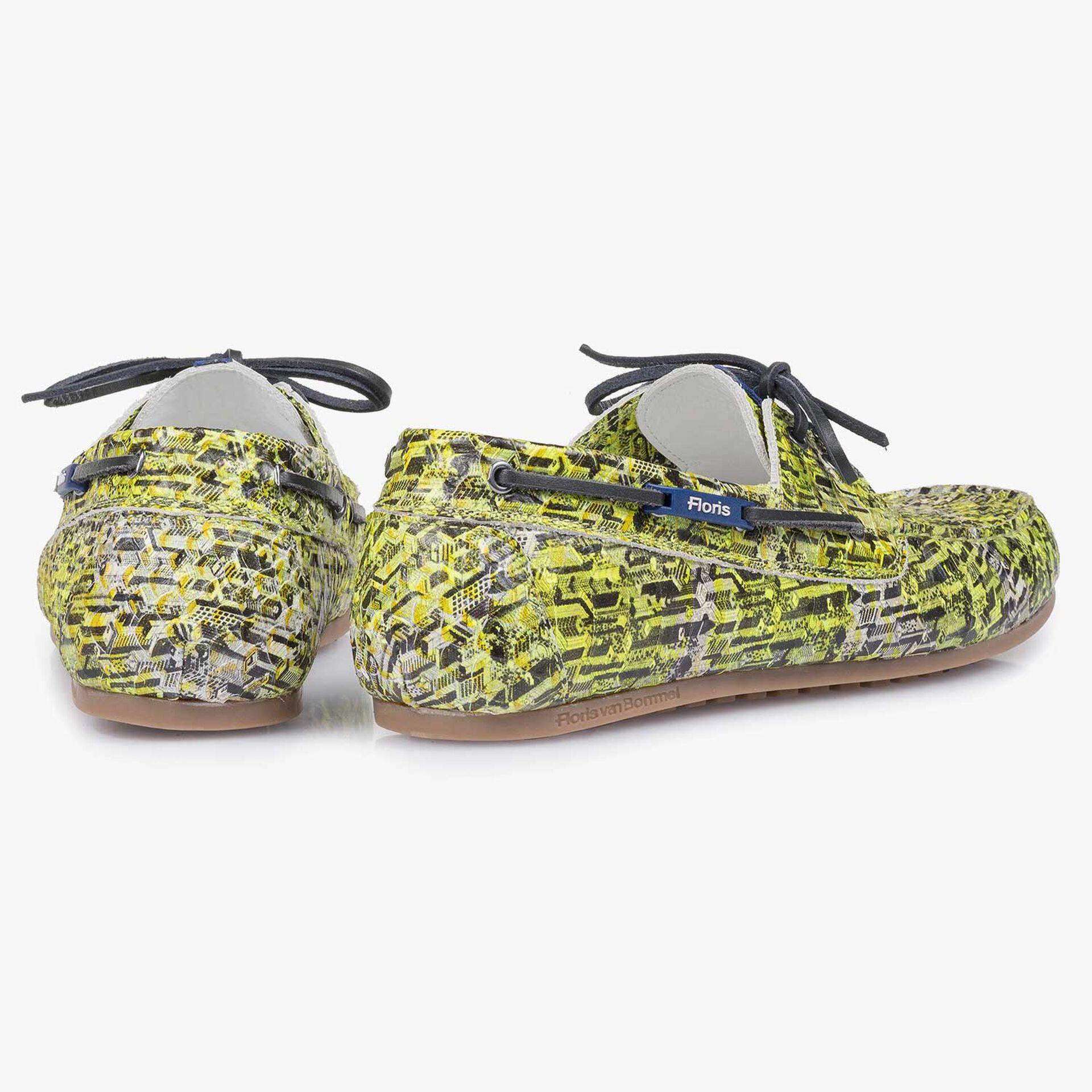 Gele kalfsleren bootschoen met snakeprint