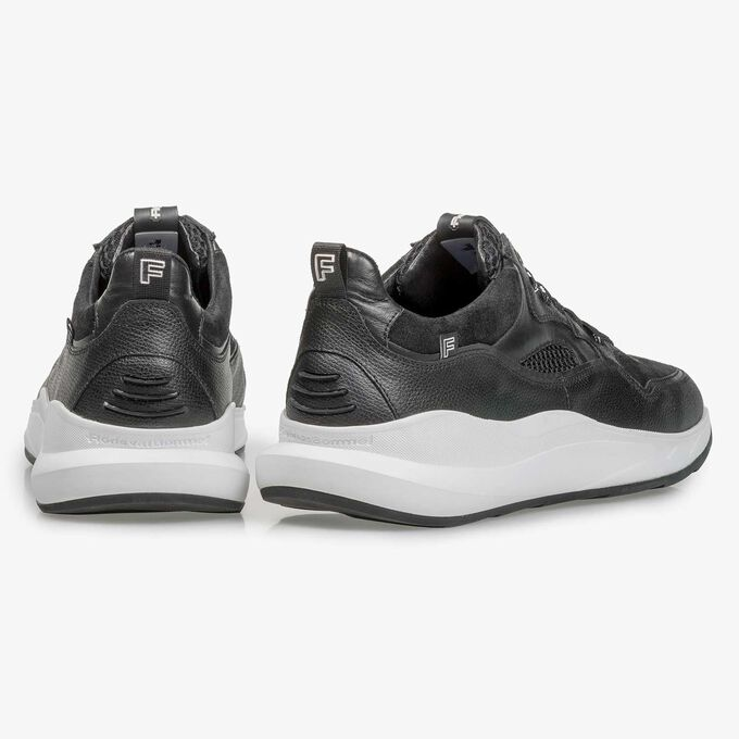 Black calf leather sneaker with fine texture