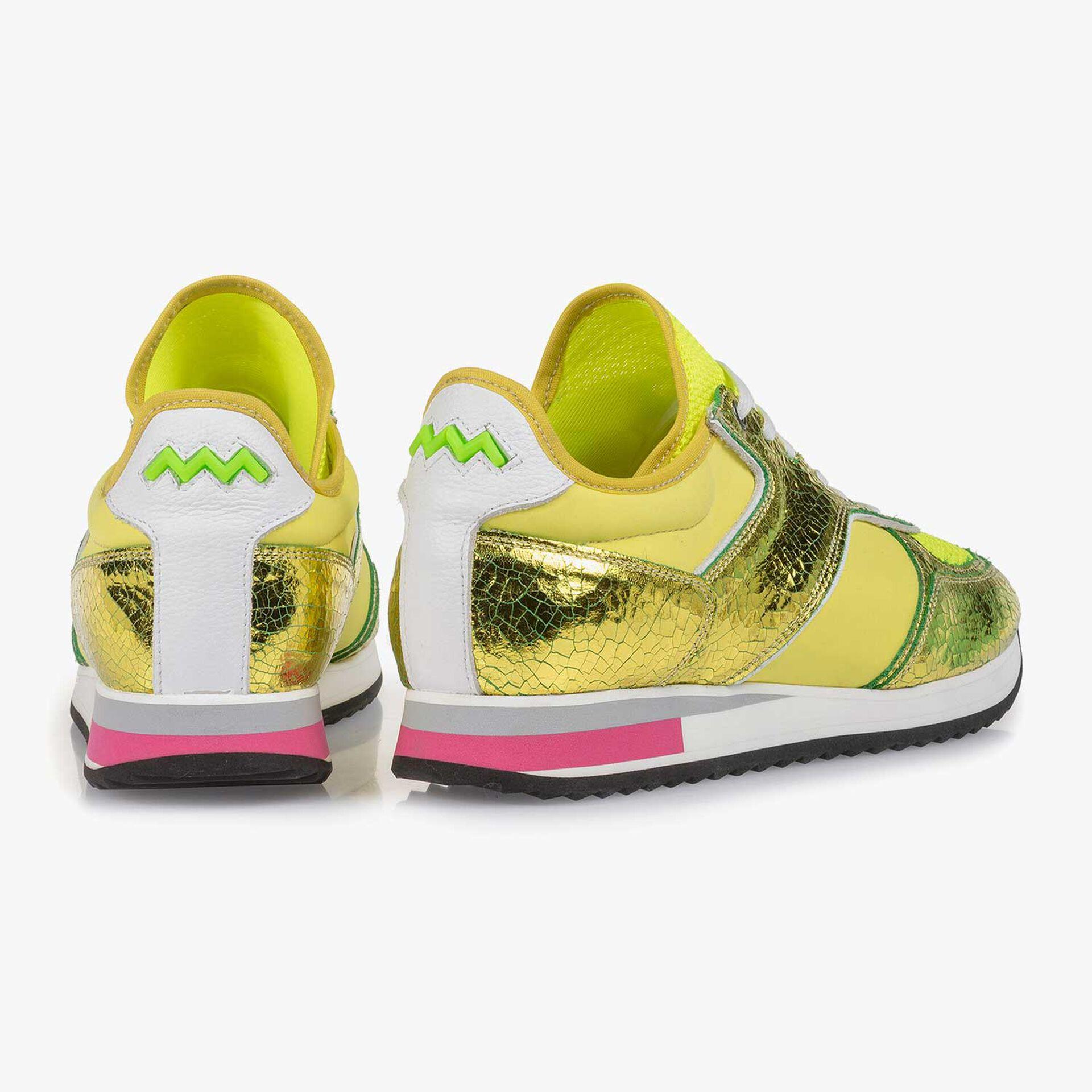 Gele metallic leren sneaker met changeant effect