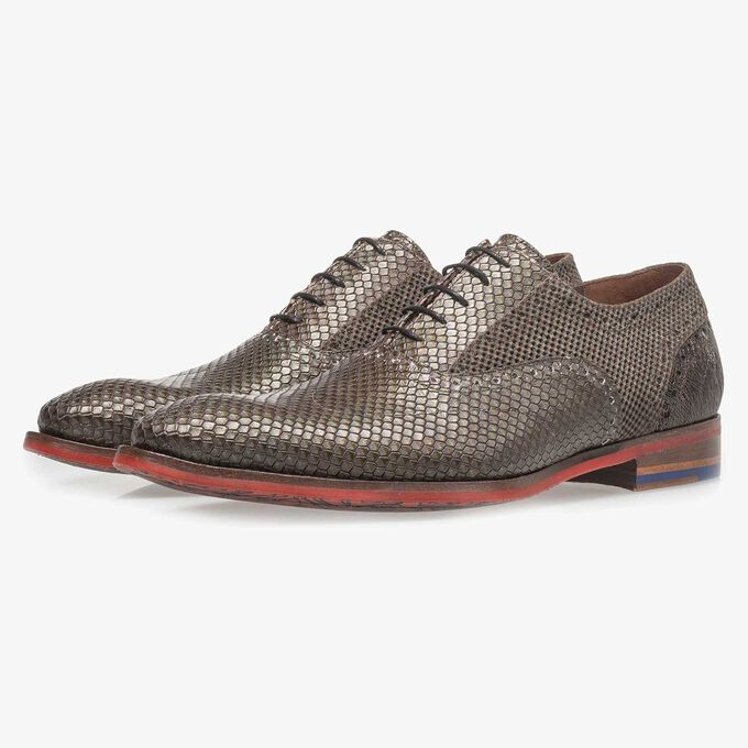 Premium dark brown calf leather lace shoe with metallic print