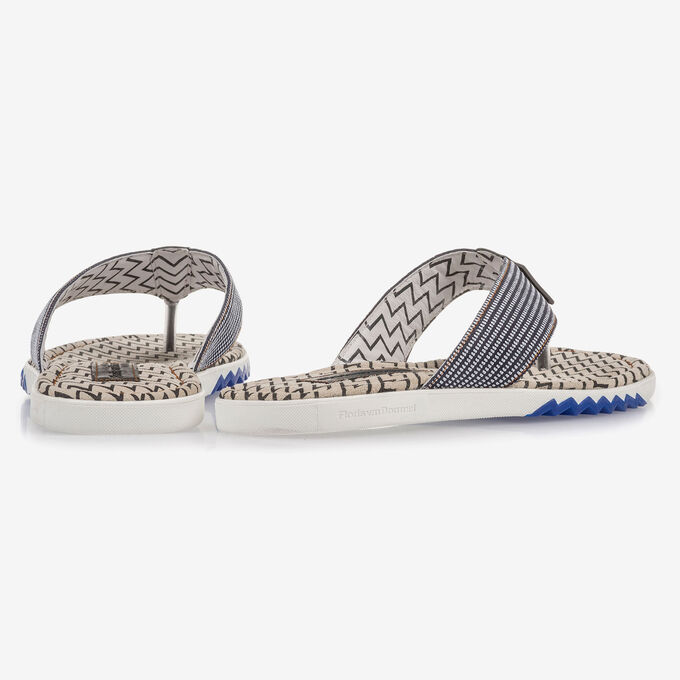Blue suede leather thong slipper with print