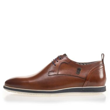 Leather lace shoe with rubber sole