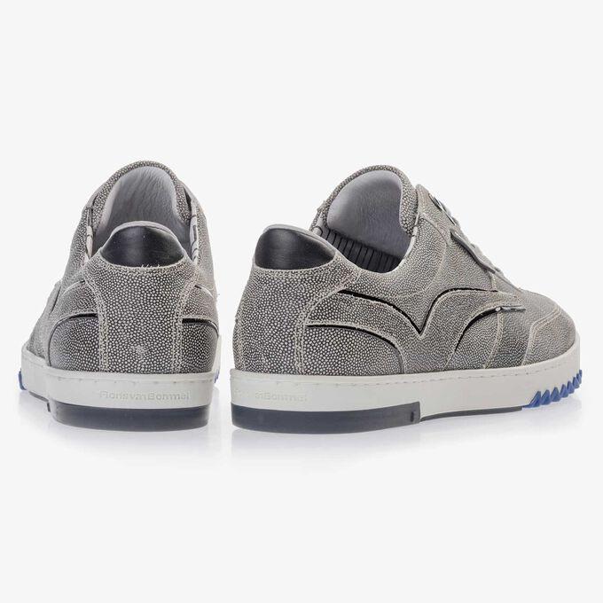 Grijze suède sneaker