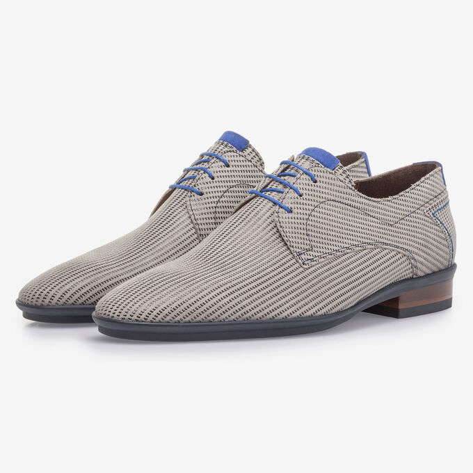 Beige suede leather lace shoe with print