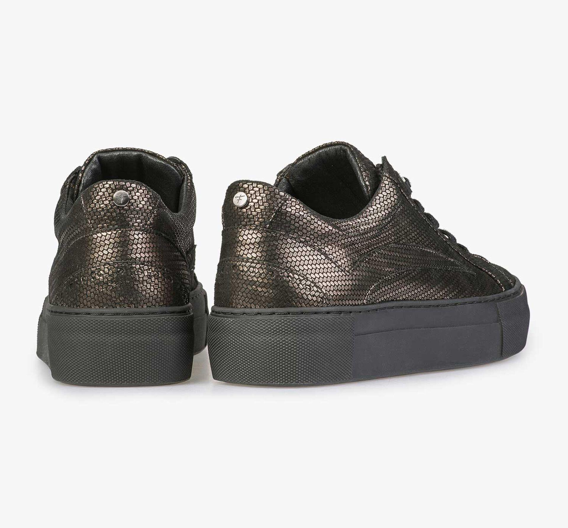 Leren sneaker met bronskleurige metallicprint
