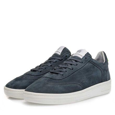 Sportive leather sneaker