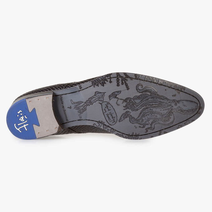 Blue printed patent leather lace shoe