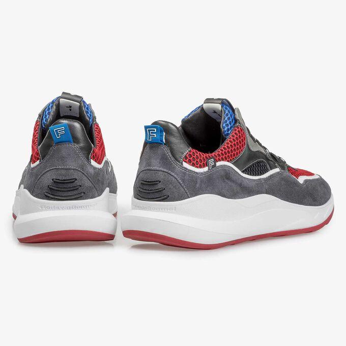 Donkergrijze suède sneaker