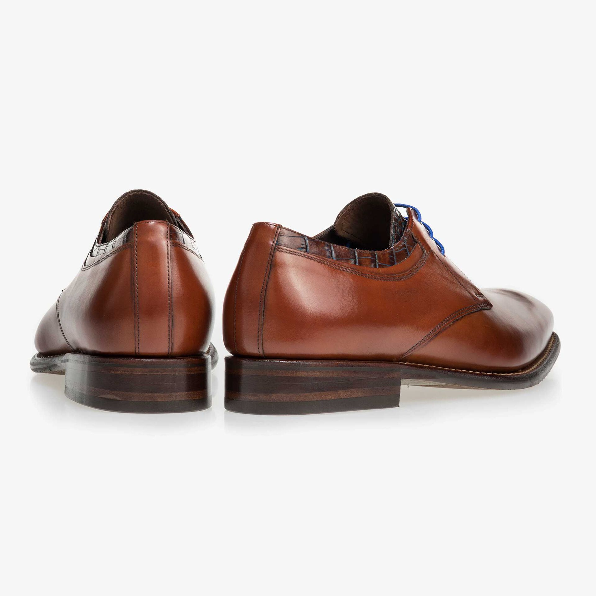 Mid-brown calf's leather lace shoe