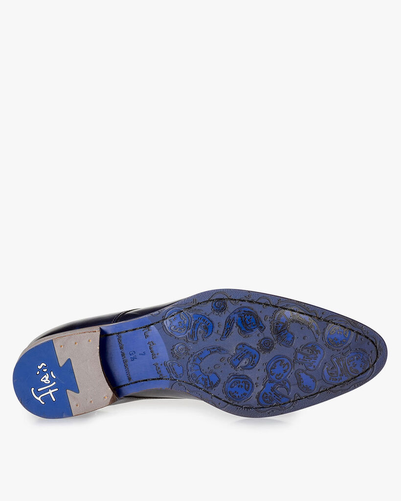 Dark blue calf leather lace shoe