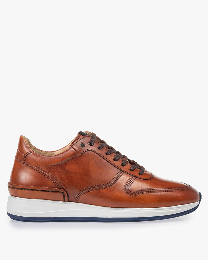 Sneaker calf leather cognac