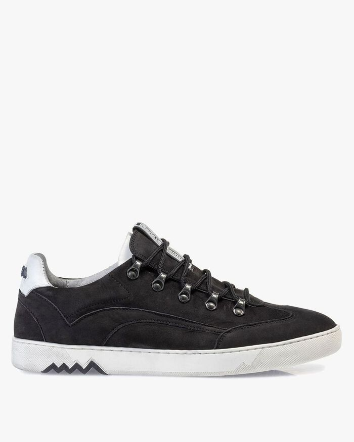 Hiking sneaker nubuck leather black