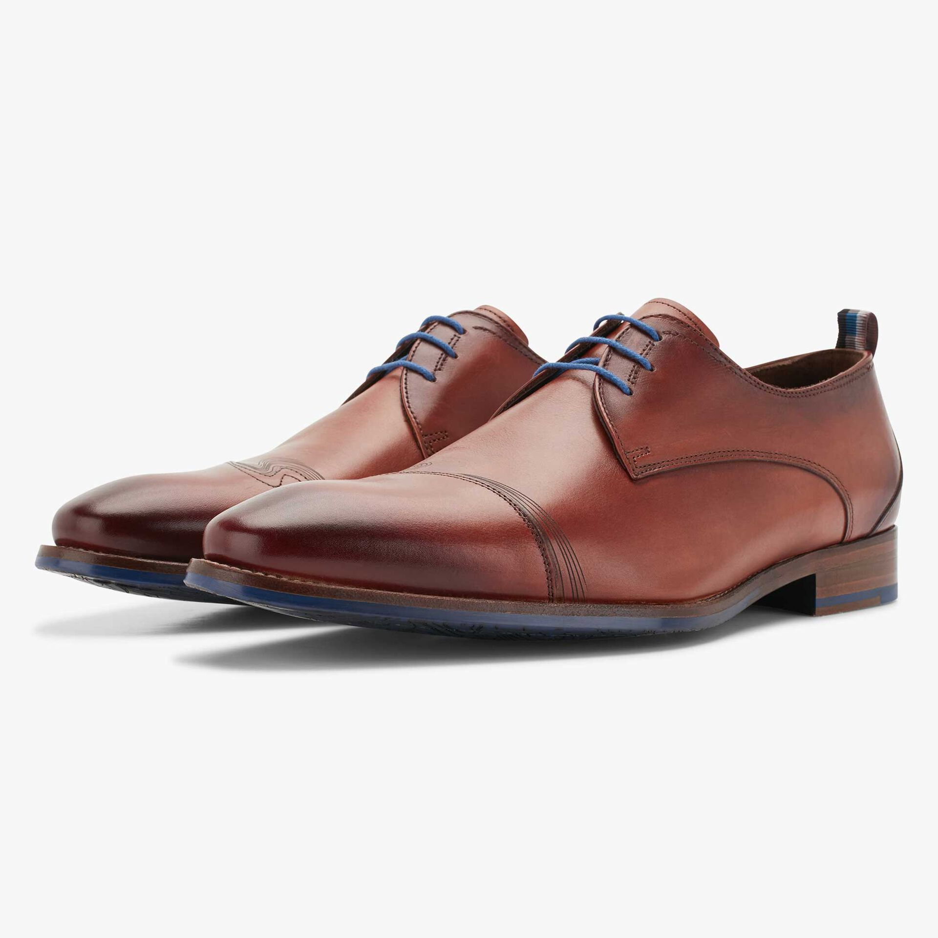 Cognac-coloured leather lace shoe