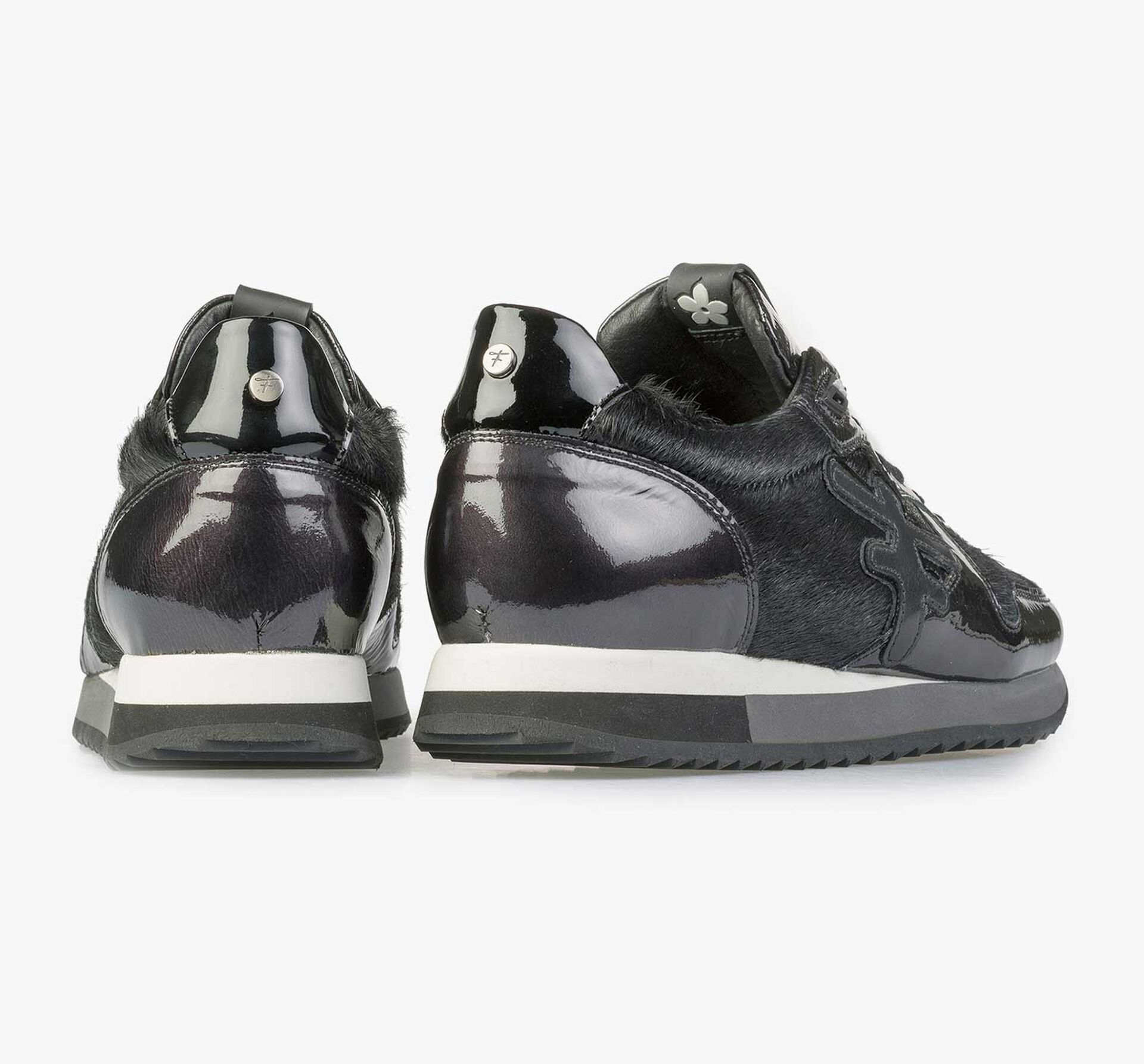 Black patent leather sneaker with F-logo