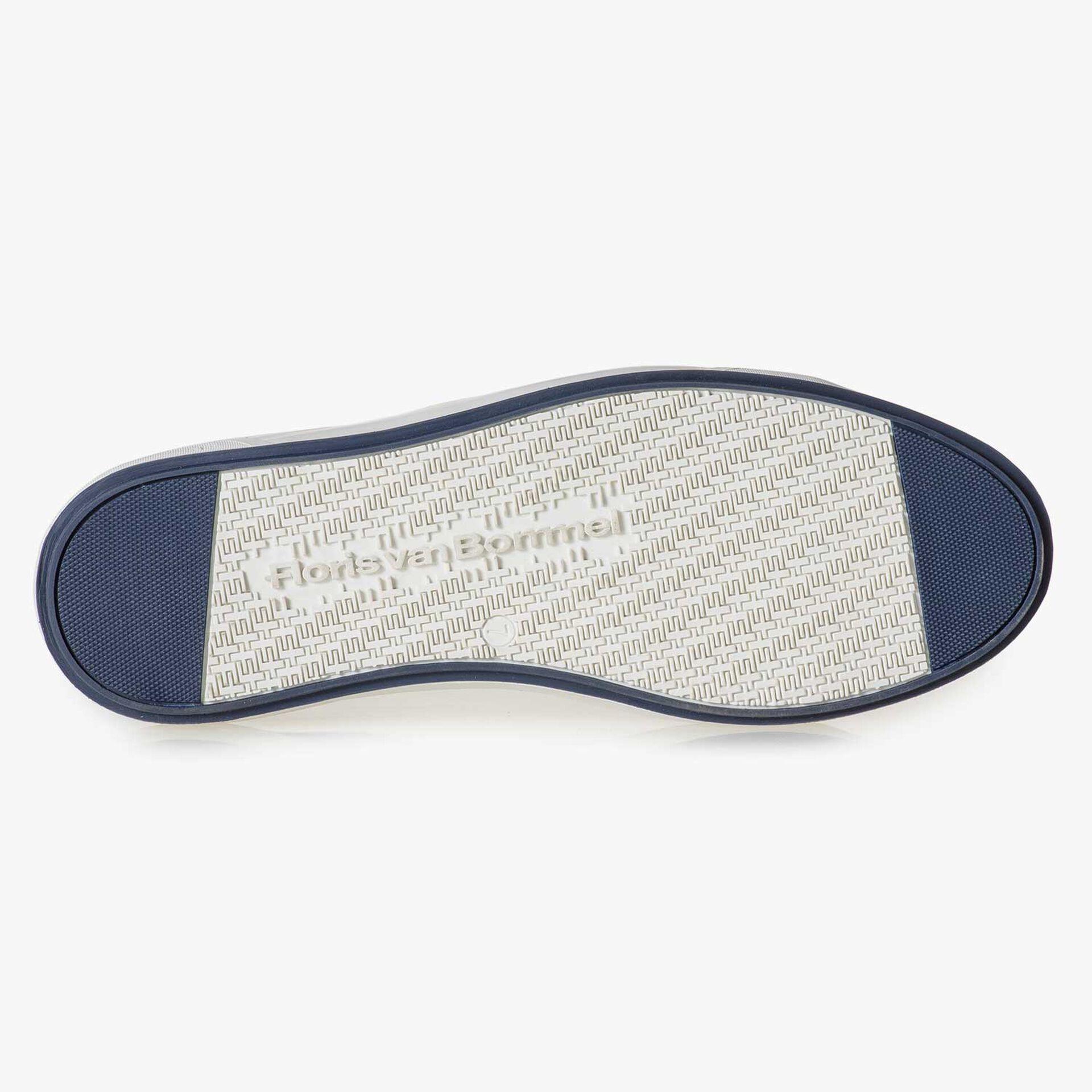 Donkerbruine kalfssuède sneaker met lizardprint