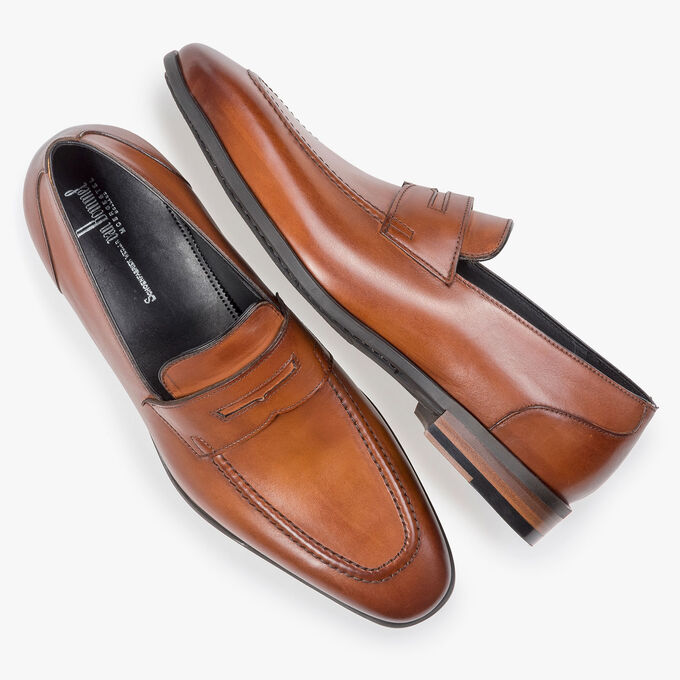 Dark cognac-coloured calf leather loafer